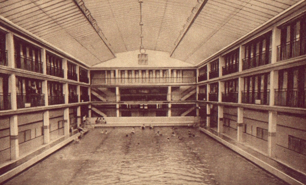 Piscine molitor paris france site m moire for Piscine in french